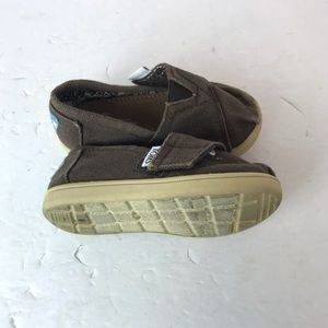Toms Toddler Brown Velcro Shoes. Size 5T.